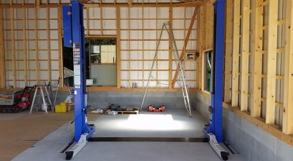 岡山県 K様邸 ビシャモン製 2柱リフト納品設置