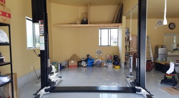 兵庫県 M様邸 ビシャモン製 オフセット2柱リフト納品設置